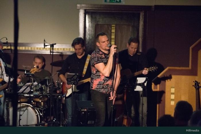 Top2000 live band Bram van den Heuvel © BDU media