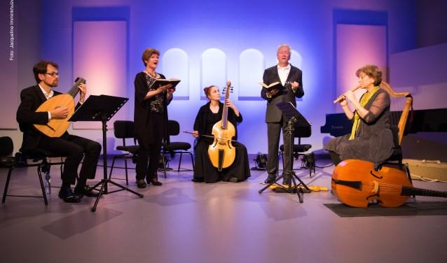 Camerata Trajectina neemt je op 22 november in de Edesche Concertzaal mee naar de muzikale wereld van Rembrandt.