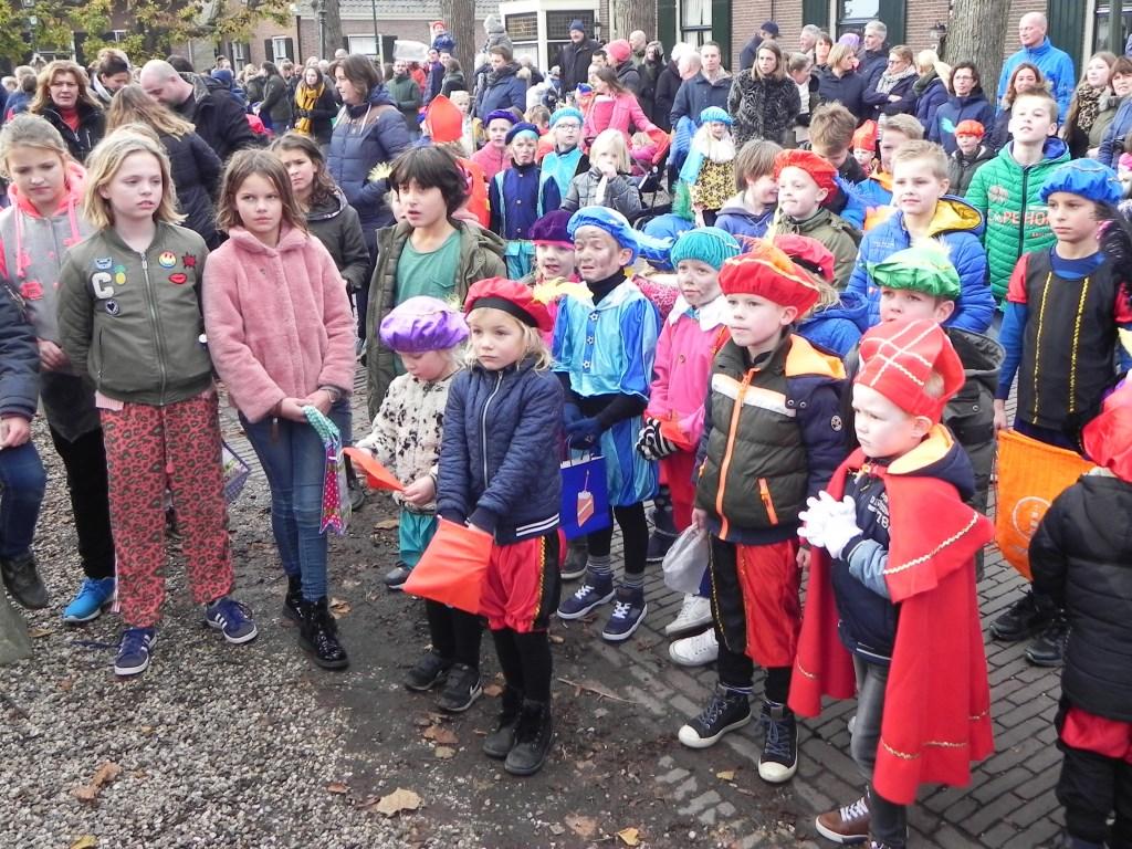 De kinderen luisterden geconcentreerd naar de toespraak van de goedheilig man. Richard Thoolen © BDU media