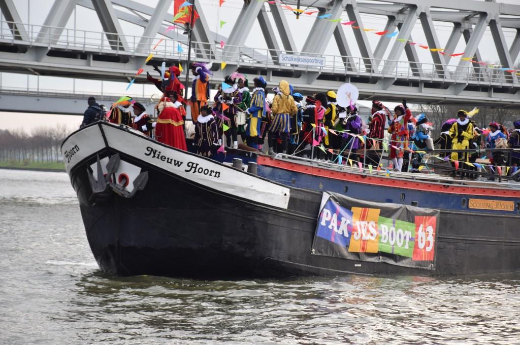 Pakjesboot 63 komt aan Frank Magdelyns © BDU media