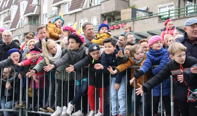 Iedereen wilde een handje geven. Arnoud J Spaaij © BDU media