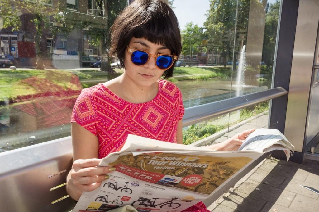 In Nederland lezen 12 miljoen mensen weleens een huis-aan-huis-krant.  Carolina Linares © BDU Media