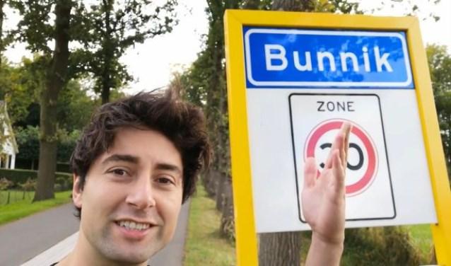 Bijstand Boy vlogt voor Bunniksnieuws.nl Bijstand Boy © BDU media