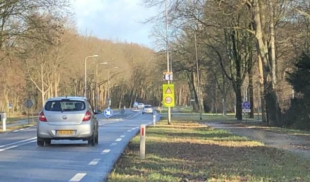 Alleen bij de gevaarlijke oversteek op de Oude Rijksweg mag een snelheid van zestig blijven gelden.