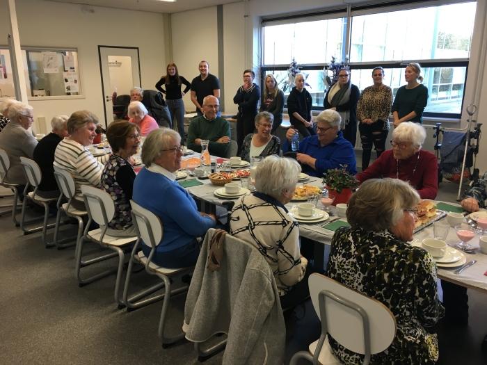 Studenten Da Vinci College verzorgen verwendag voor ouderen - DeStadGorinchem.nl