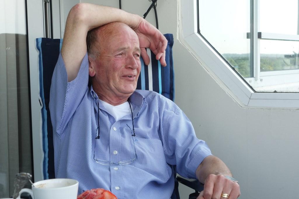 """Onaangetast is de humor van Paul Martens. ,,Lachen meneer Sonneberg."""" Jaap van den Broek © BDU media"""