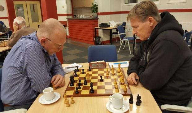 Teunis Bunt (links) speelde tegen Noël Bovens.