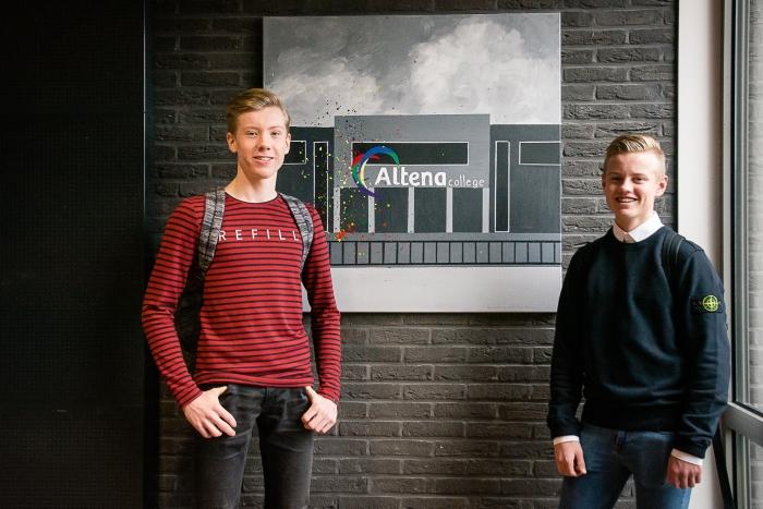 Jonne Poels en Nino de Vries uit klas A5A met hun meesterproef
