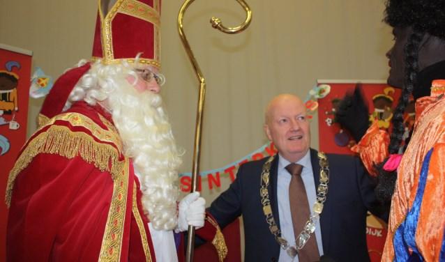 Voor burgemeester Ruud van Bennekom was de Pietenjacht vorig jaar een goede kennismaking met Odijk Roelof de Wild © BDU media