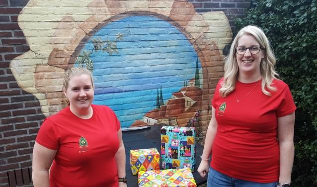 """Wies van Arkel (links) en Magalie Bokdam organiseren een speelgoedruilmarkt. ,,Recycle Sint tegen overconsumptie!"""""""