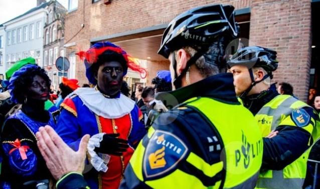 Pietenprotest bij intocht Sinterklaas