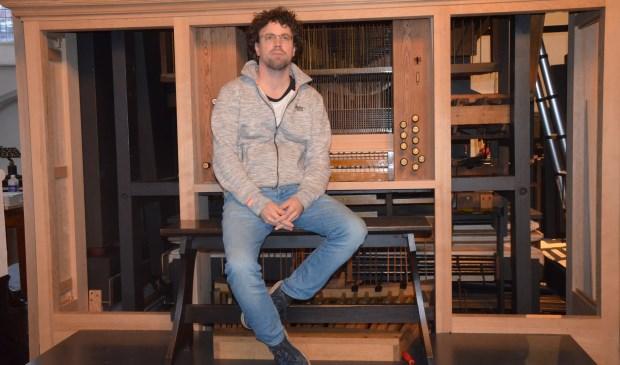 Rienk Bakker is enthousiast over het Harrison en Harrison orgel