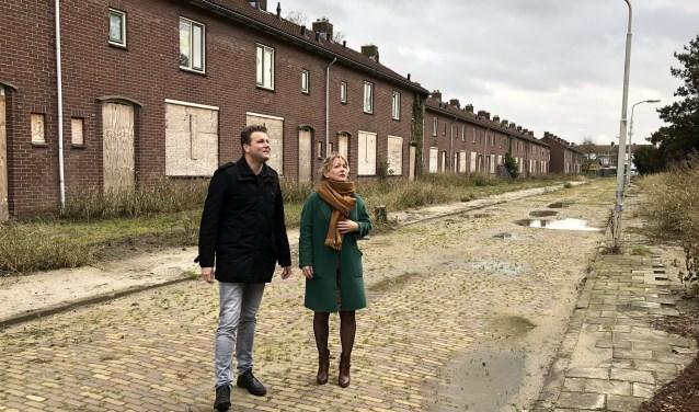 Projectmanager Ruben Duinker en directeur-bestuurder Marije Buursink,  van Poort6 wachten al veertig weken op vergunning