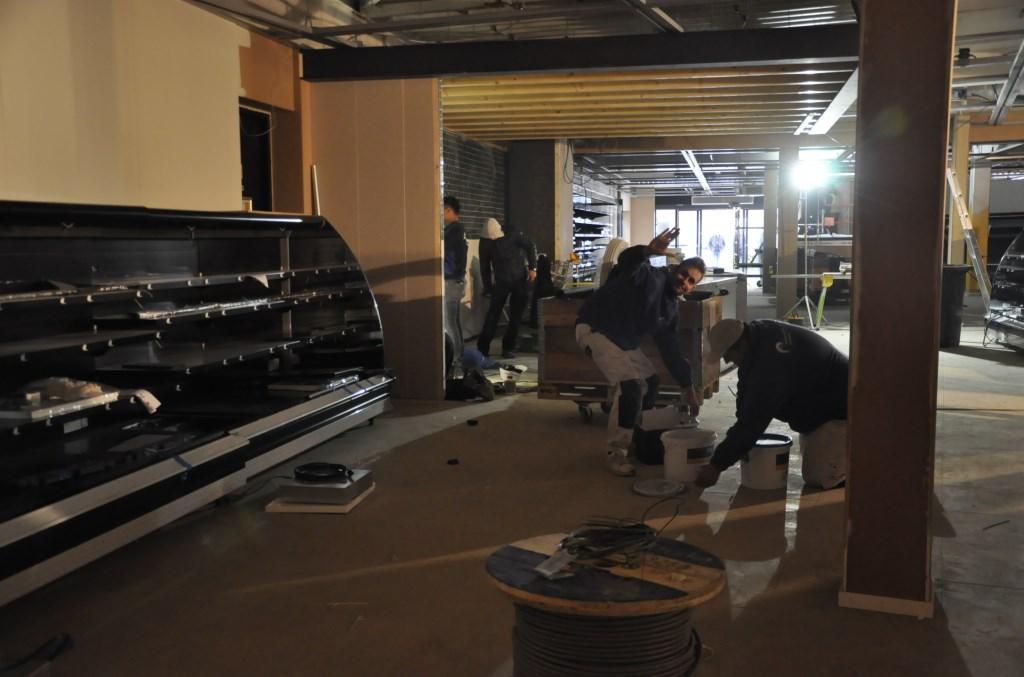 De klant ziet straks bij binnenkomst als eerst de versproducten.  Agnes Corbeij © BDU media