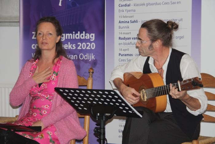 Duo Puramos verbindt stemgeluid met gitaar Johanna Muis © BDU media
