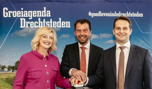 Reinie Melissant (burgemeester Gemeente Gorinchem), Jeroen Koedam (Provincie Zuid-Holland), André Flach (Vicevoorzitter regio Drechtsteden)