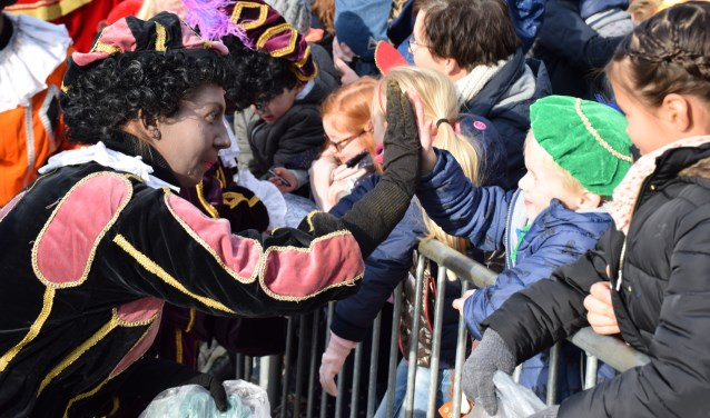 High five van de schoorsteenpiet