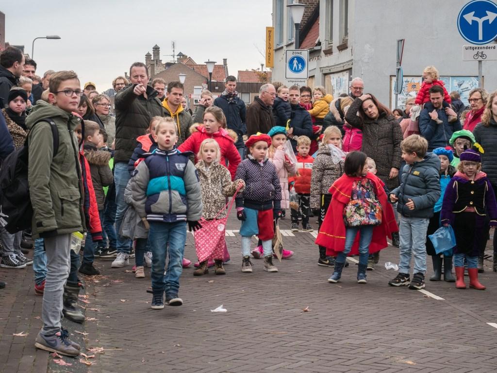 Het dorp loopt uit voor Sinterklaas. Ab van den Pol © BDU media