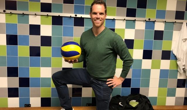 Alleskunner Niels van Vliet is na verspringen en badminton nu aan de slag gegaan als volleyballer.