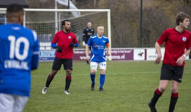 Joshua Jansen als aanvoerder bij de wedstrijd tegen HCSC.