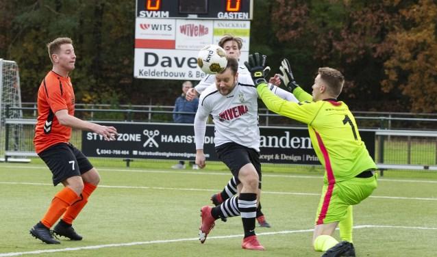 SVMM spits Polle Westbroek (midden) had een belangrijk aandeel in de overwinning van zijn team