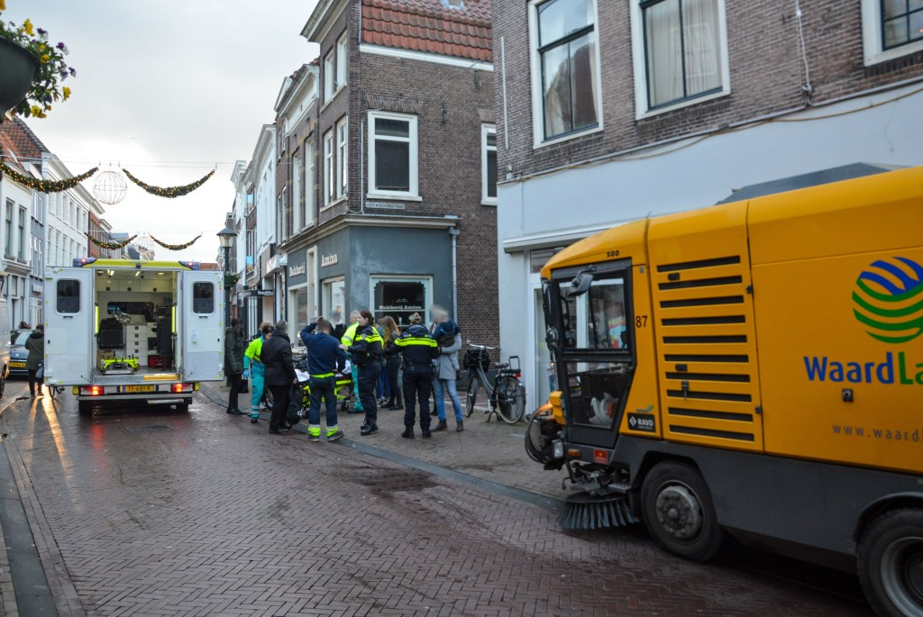 Fietsster komt onder veegwagen na val in Gorinchem - DeStadGorinchem.nl