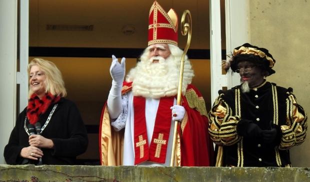 <p>De ontvangst van de Sint op de Grote Markt</p>