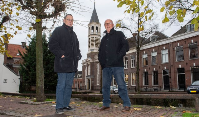 Peter Kerklingh samen met Ben Stoelinga bij de Elleboogkerk.