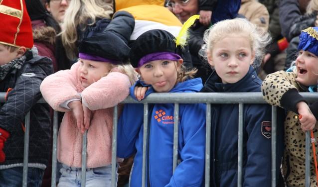Wachten achter het hek. Arnoud J Spaaij © BDU media
