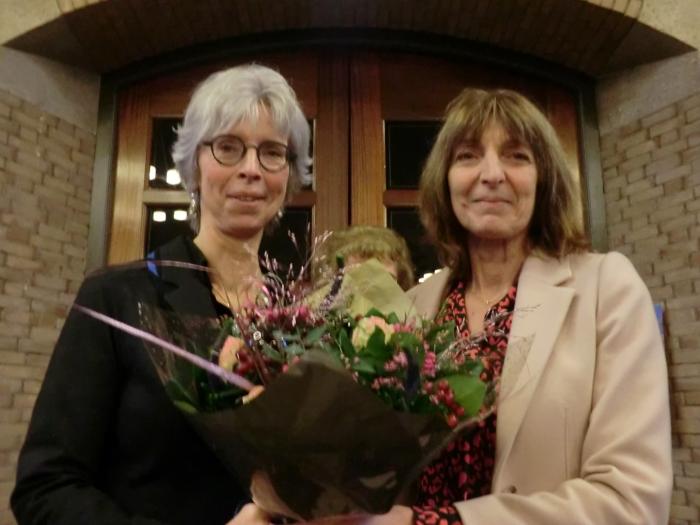 Haar oudste zus feliciteerde haar met dit bijzondere moment GH © BDU media