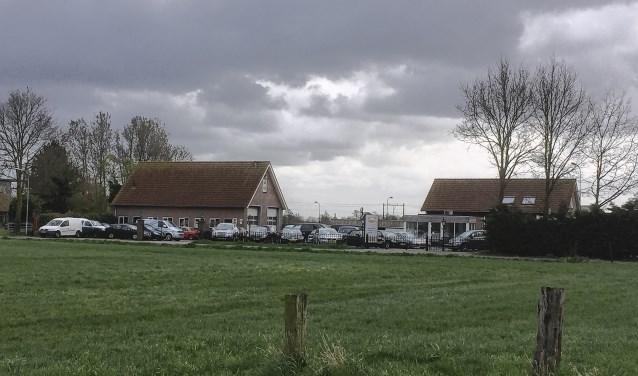 Verplaatsing van Kraay naar bedrijventerrein De Flier is nog altijd onderdeel van het plan Spaanse Leger en lijkt ruimtelijk en functioneel haalbaar. Op de foto Autobedrijf Heining.