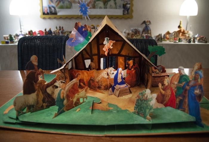 Een uitklapbaar boek als kerststal Gerrit van de Veen © BDU Media
