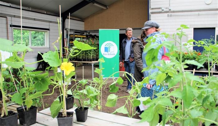 Eco-Schools aanwezig tijdens Plantjesmarkt bij Aeres VMBO Ede.