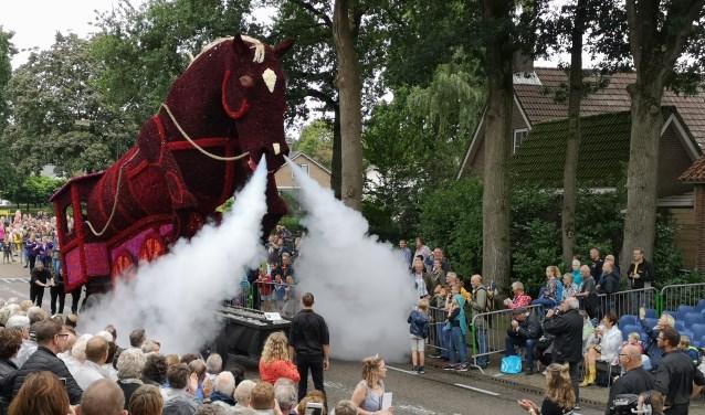 Indrukwekkende wagens, zoals 'Het ijzeren paard,' zullen in 2020 aan de Hoflaan te zien zijn.