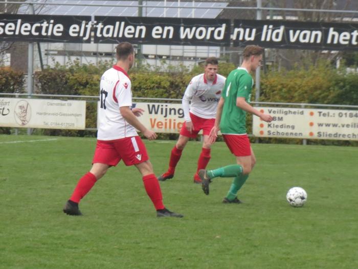 Danny van den Bout en Robin de Kok in duel met De Alblas