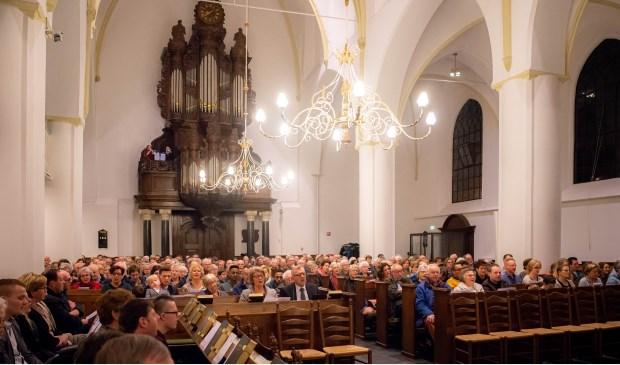 Op Kerstavond is er in de Grote Kerk van Nijkerk een kerstzangdienst.