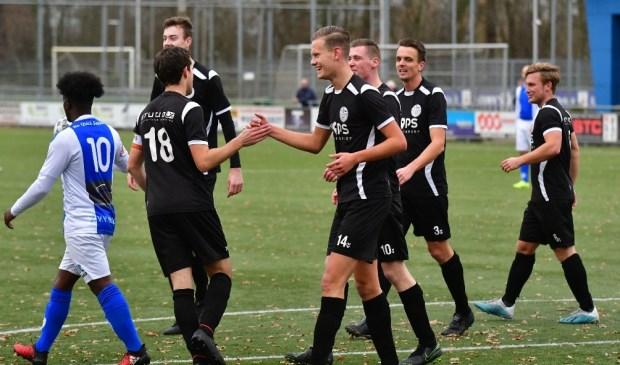 Veel lachende gezichten bij Veensche Boys zaterdag bij de ruime overwinning op Be Quick Zutphen