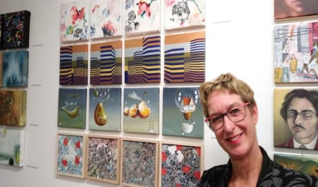 Susanne Silbeek bij haar werk (tweede rij van onderen) in Bologna