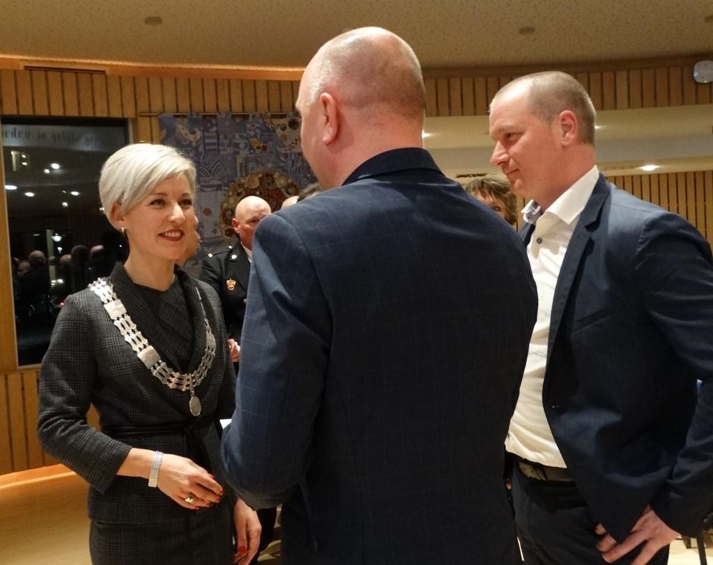 Felicitaties van D66 en SP, ook andere fracties waren aanwezig. Ook veel maatschappelijke organisaties kwamen feliciteren. Kuun Jenniskens © BDU media