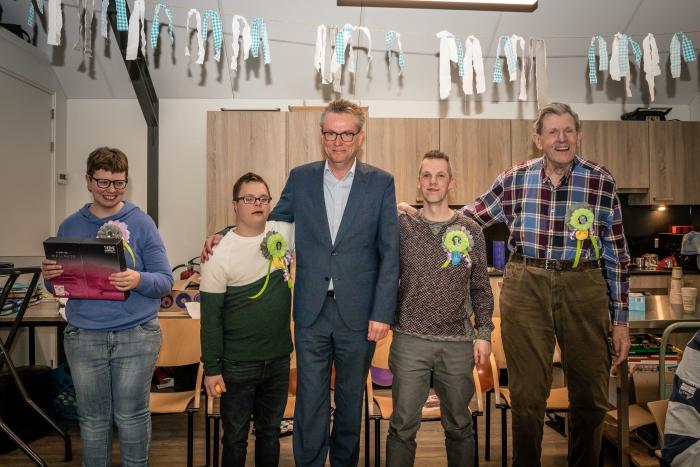 Annet, Henk, directeur-bestuurder Philip Miedema, Mark en Elbert