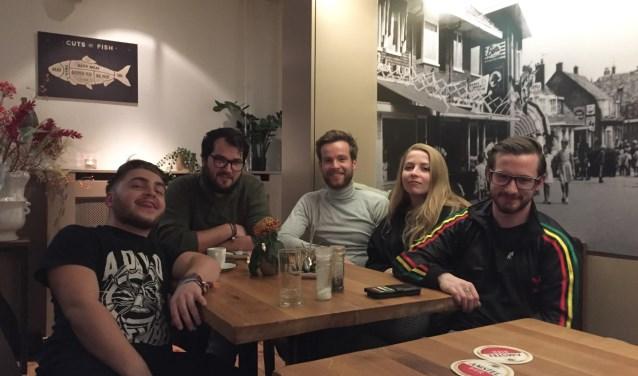 Kick Me Out: bandleden Rowan, Boudewijn, Leander, Nienke en Fons