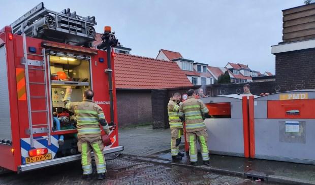 De brandweer moest zowel 's nachts als 's middags naar de Lekstraat om een containerbrand te blussen.
