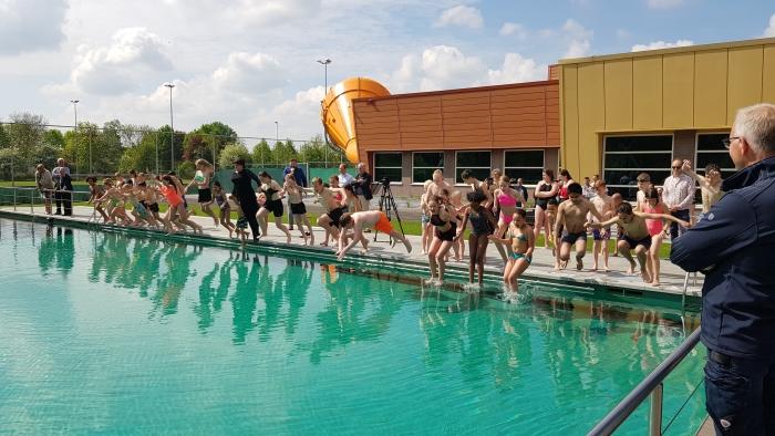 Zwembad de Peppel kijkt terug op een zeer succesvol jaar. Nog nooit passeerden in een jaar tijd zoveel bezoekers de kassa als in 2019. Onder meer de opening van het nieuwe natuurgezuiverde buitenbad gaf een boost aan de bezoekersaantallen.