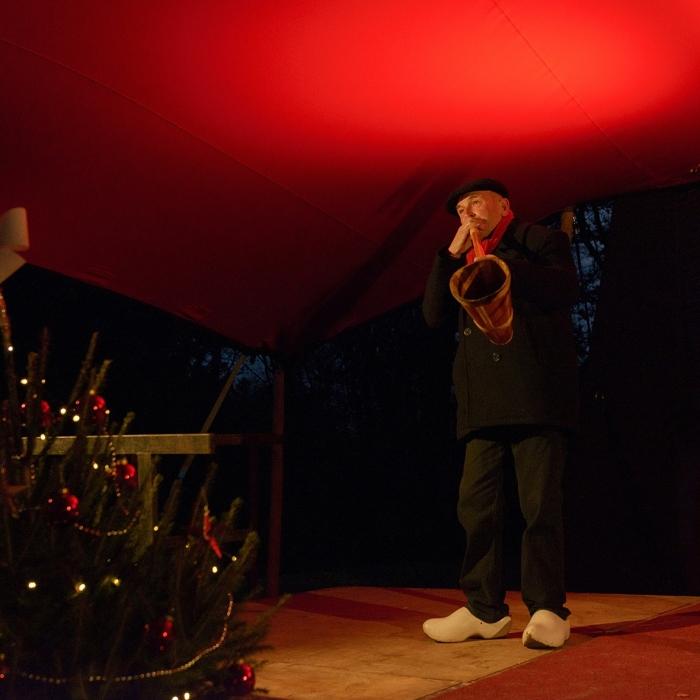 De Dijkhoornblazers openen Kerst rond de Koepel Annelies Barendrecht © BDU Media