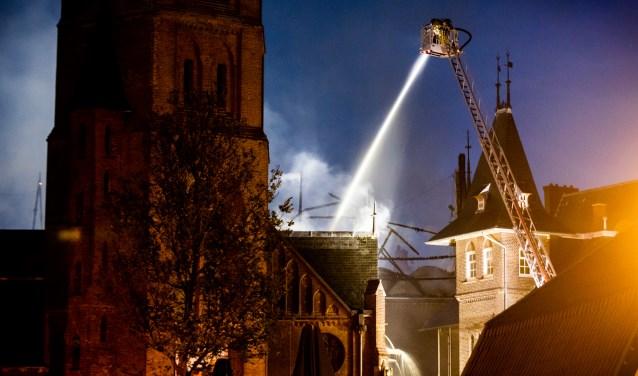 De Urbanuskerk in Bovenkerk werd vorig jaar door brand verwoest.