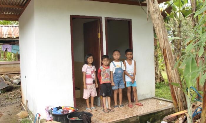 Een goed toilet voorkomt dat kinderen ziek worden. Jaco van As © BDU media