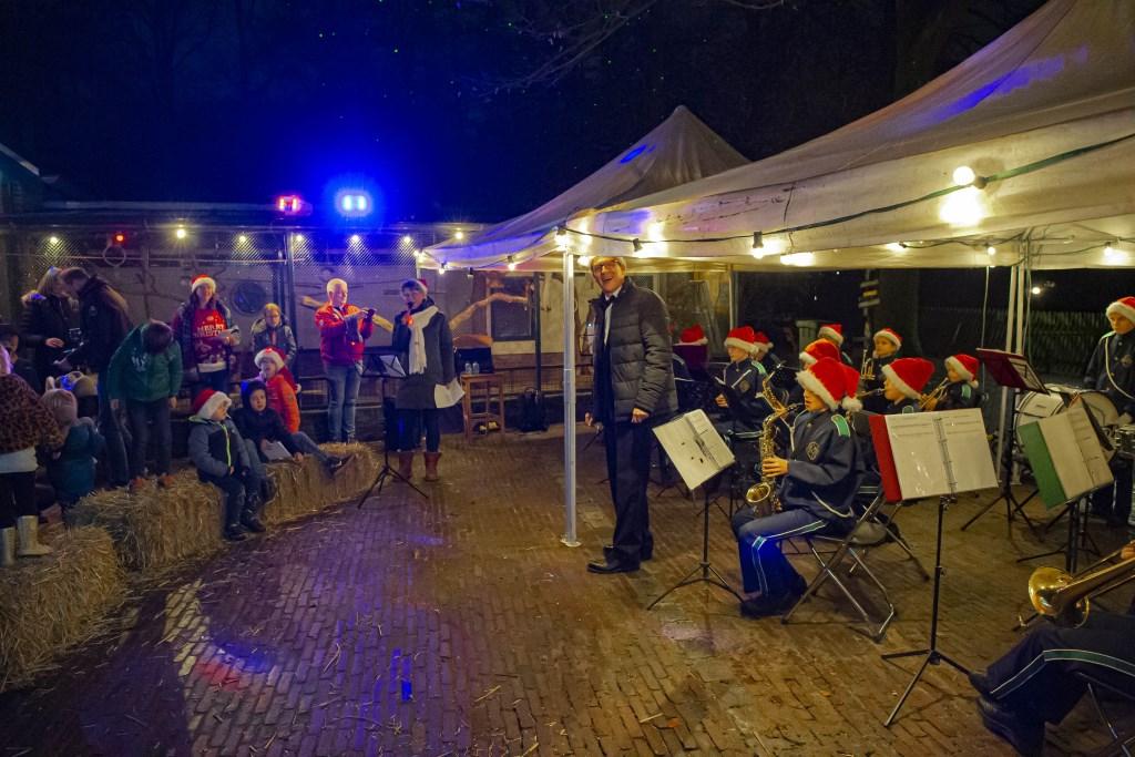 De Kerstsamenzang werd goed bezocht en de weersomstandigheden werkten prima mee EllenToledo © BDU media
