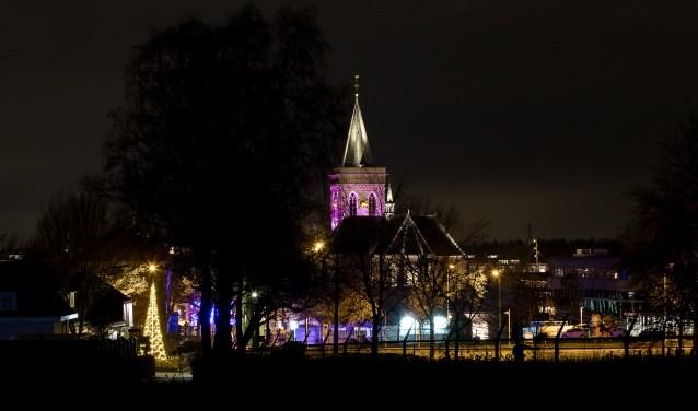 De Oude Kerk werd in nieuw 'theatraal' licht gezet