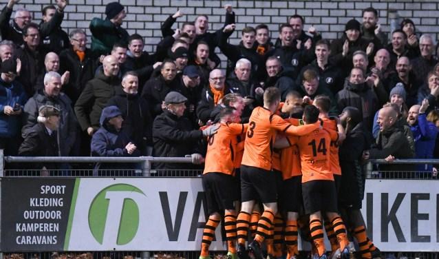 Sparta Nijkerk ontvangt NAC Breda op een afgeladen sportpark De Ebbenhorst.