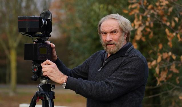 Jan met zijn panoramacamera. Hij is met recht een niche-fotograaf.